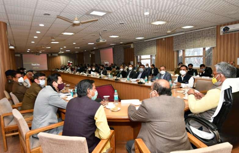 WhatsApp Image 2020 12 03 at 16.32.06 कुंभ मेले की तैयारियां जोरों पर, सीएम त्रिवेंद्र सिंह रावत ने ली बैठक