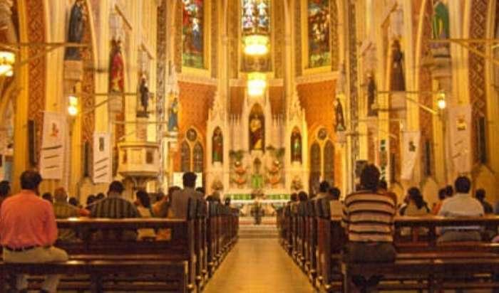 क्रिसमस को लेकर महाराष्ट्र में गृह मंत्रालय ने जारी किए निर्देश, जानें चर्च में कितने लोगों को जाने की होगी अनुमति