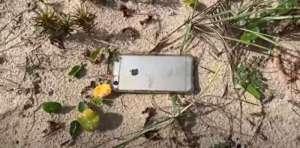 i phone प्लेन से नीचे जा गिरा शख्स का iPHONE, फिर यहां से मिला सही सलामत
