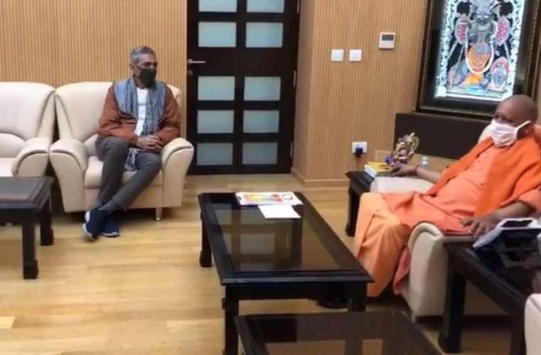 prakash jha मुख्यमंत्री योगी से मिले निर्माता प्रकाश झा, कहा- यूपी का माहौल बेहद उत्साहित